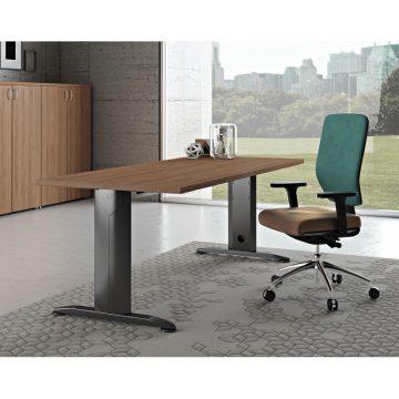scrivania canalizzata gamba Como